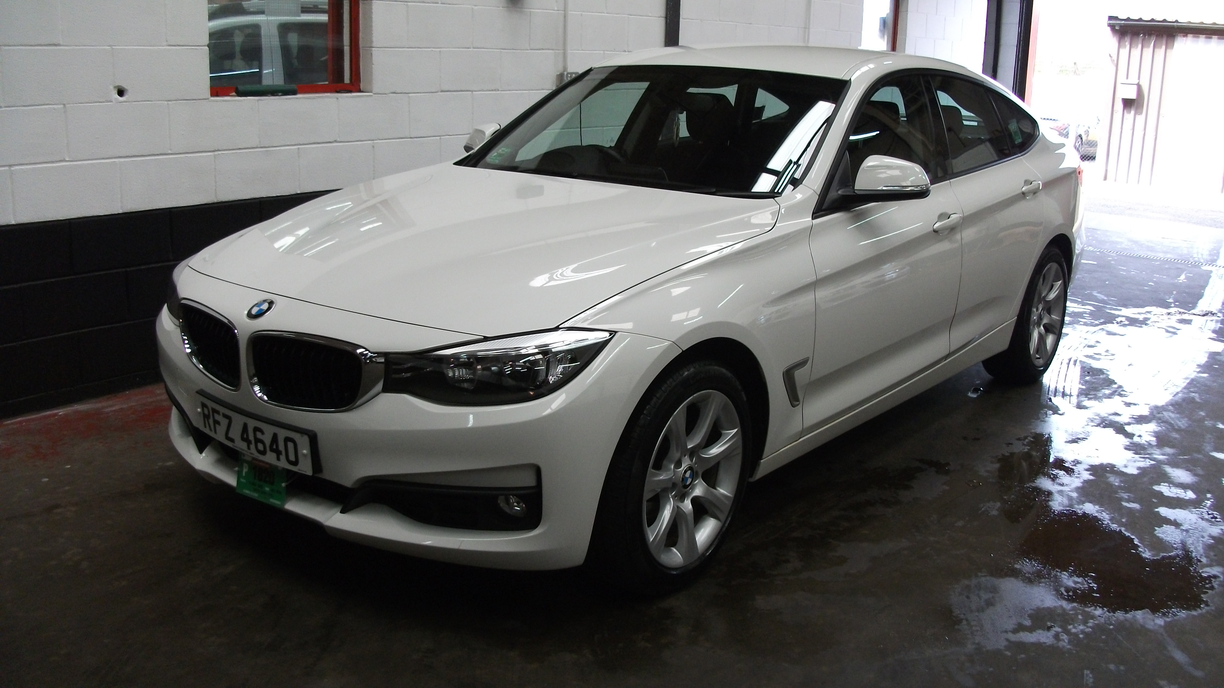 2014 bmw 318 gt 2 0 taxi sales belfast. Black Bedroom Furniture Sets. Home Design Ideas