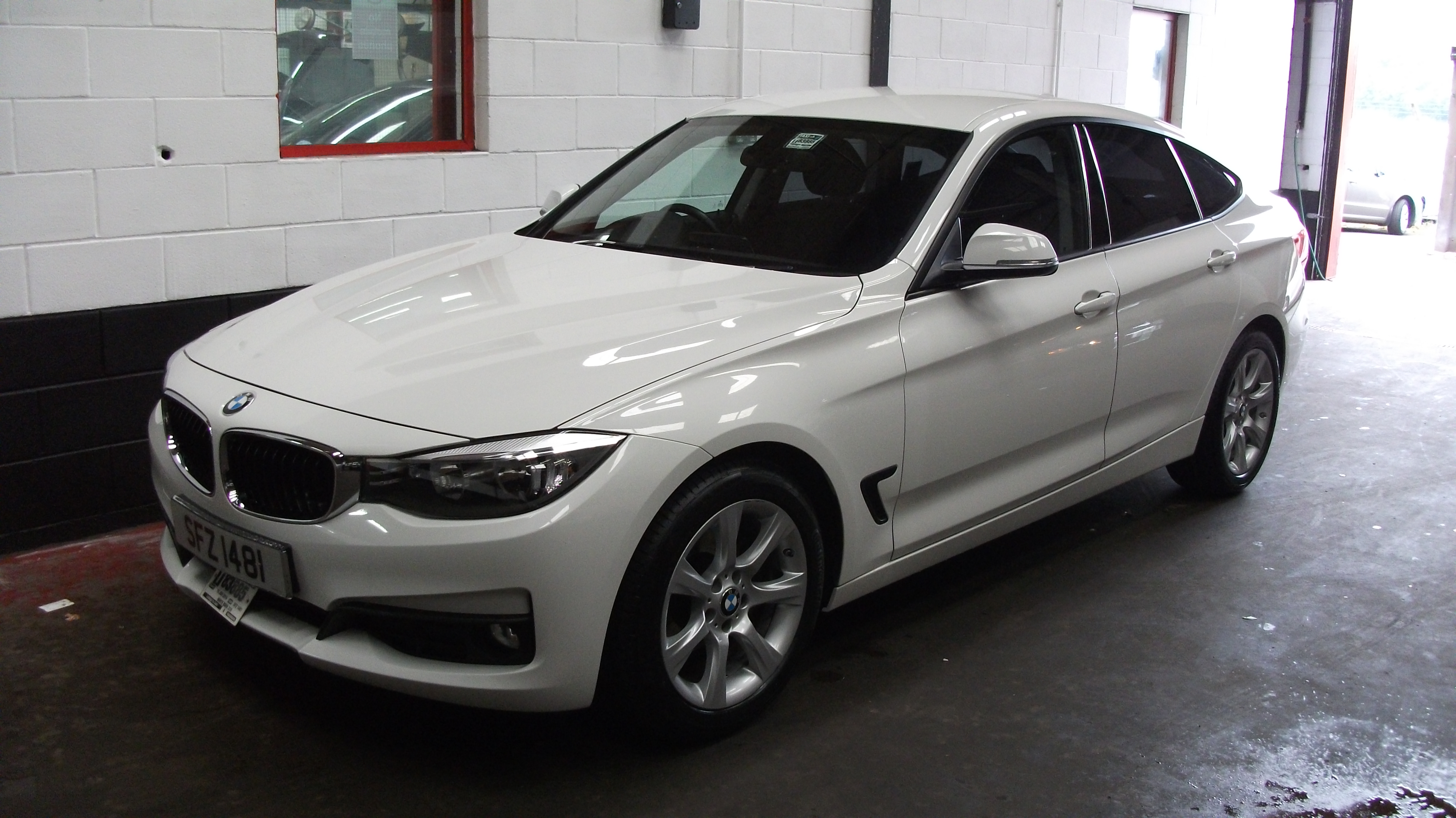 2014 bmw 318 gt 2 0 auto taxi sales belfast. Black Bedroom Furniture Sets. Home Design Ideas